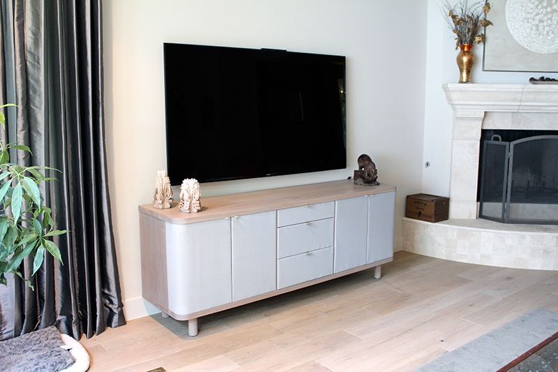 tvconsole2